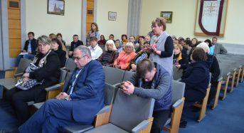"""В міській раді відбувся """"круглий стіл"""" присвячений проблемам безпритульних тварин у Переяславі-Хмельницькому"""