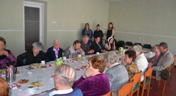 Відбулася зустріч у клубі «Пам'ять серця», яка була  приурочена до Дня пам'яті й примирення та 72-ї річниці з Дня перемоги