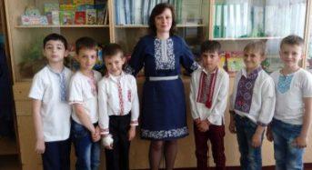 В ЗОШ №4 педагоги та учні в День вишиванки опублікували світлини
