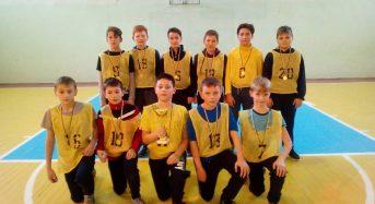 У Переяслав-Хмельницькій ЗОШ №7 відбулися змагання по баскетболу серед юнаків 5-6 класів