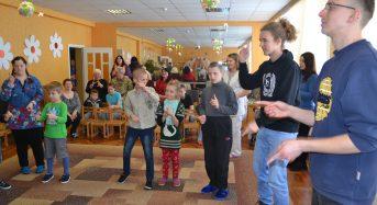 В Переяславі-Хмельницькому студенти-волонтери з Німеччини опікуються особами з інвалідністю