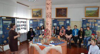 На Київщині в Музеї трипільської культури відбувся майстер-клас із писанкарства (Фоторепортаж)