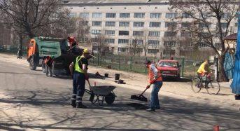В Переяславі-Хмельницькому поточний ремонт доріг продовжується