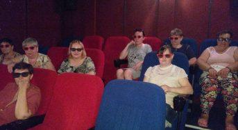 Клієнти центру соціального захисту пенсіонерів та інвалідів безкоштовно відвідали кінотеатр 3D CINEMA