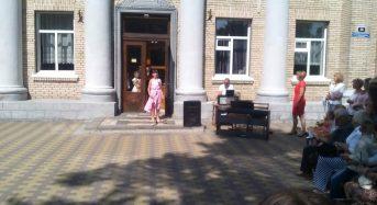 Своїх учнів радо зустрічала і Дитяча музична школа імені Павла Сениці (Фоторепортаж)