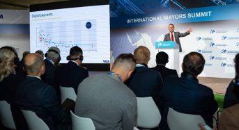 100 українських мерів зустрілися в Києві на Міжнародному саміті мерів. Тарас Костін теж взяв участь у саміті