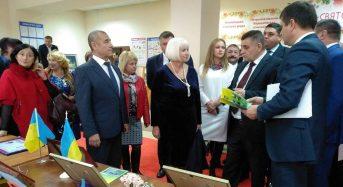 У числі кращих працівників соціальної сфери області і генеральний директор центру соціального захисту пенсіонерів та інвалідів Раїса Голованова