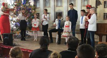 У Дитячій музичній школі ім. П. Сениці відбувся святковий різдвяний концерт