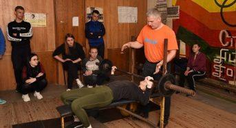 ХХХІ-ий чемпіонат університету з пауерліфтингу визначив найсильніших дівчат та юнаків у жимі штанги лежачи