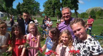 Випускники 4 класу Переяслав-Хмельницької ЗОШ  №3 приєдналися до екологічного флешмобу
