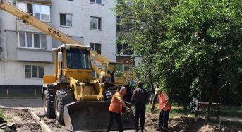 Розпочато поточний ремонт під'їзної дороги по вул. Богдана Хмельницького