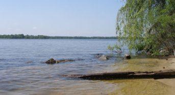 Рекомендуємо обмежити перебування у водоймі біля міського пляжу