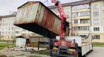 Шановні власники (користувачі) гаражів, що встановлені на прибудинкових територіях багатоквартирних житлових будинків між вулицями Набережна та  Пугачова!