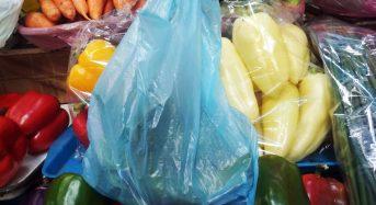 Уряд підтримав заборону пластикових пакетів в Україні: як це відбуватиметься