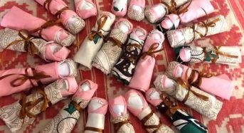 У світлиці народної іграшки під час майстер – класу діти власноруч зробили більше 30 мотанок