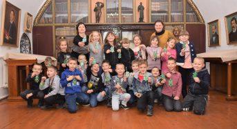 Відбувся майстер-клас «Новорічна ялинка» для другокласників у меморіальному музеї Г.С. Сковороди