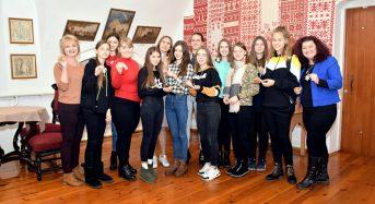 У Меморіальному музеї Г.С. Сковороди відбувся майстер-клас з бісероплетіння «Символ року»