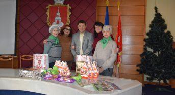 Маріупольські благодійниці із дарунками відвідали переяславські родини