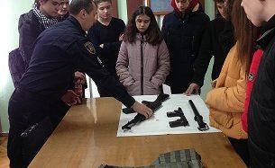 Старшокласники ЗОШ №2 відвідали відділ поліції