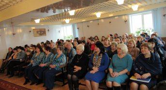 Святкові урочистості з нагоди Міжнародного жіночого дня відбулися і у центрі соціального захисту пенсіонерів та інвалідів