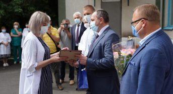 Василь Володін привітав медичних працівників з професійним святом
