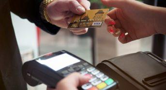 ПриватБанк запустив в Україні сервіс видачі готівки з карток на касах торгових закладів