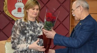 Надії Ніколайчук присвоєно почесне звання «Мати-героїня»