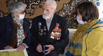 Напередодні свята заступник міського голови привітала ветеранів