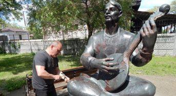 У Переяславі відремонтували пам'ятник кобзареві Степана Куцого