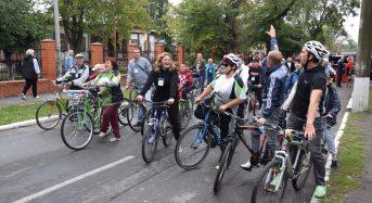 """Кошти, зібрані учасниками """"Благодійного велопробігу до Дня міста"""" допоможуть лікувати хворих дітей"""